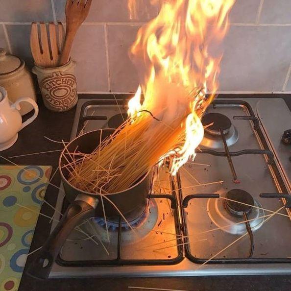 Bilderesultater for funny fail at kitchen